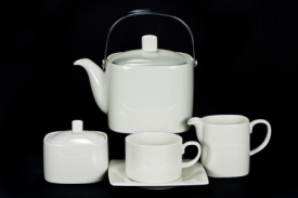 Чайник Royal Fine China Белое квадратное 1,3л